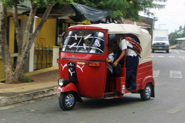 gobierno comienza a regularizar mototaxis en México
