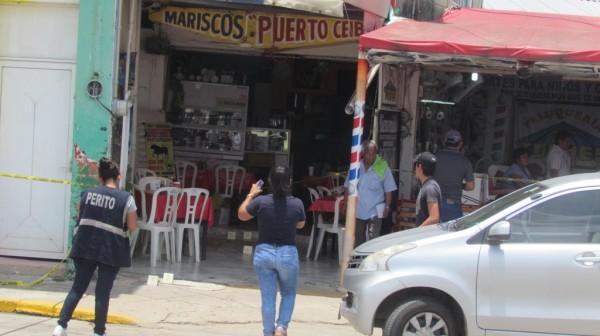 Tirotean a dos clientes en marisquería de Minatitlán