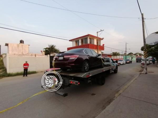 Auto asegurado en Coatzacoalcos podría ser de joven calcinada