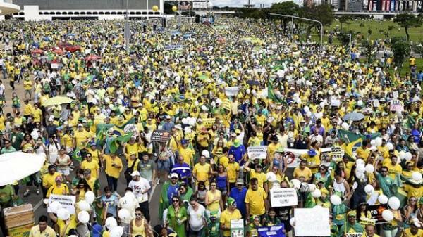 Marcha en Brasil contra Bolsonaro