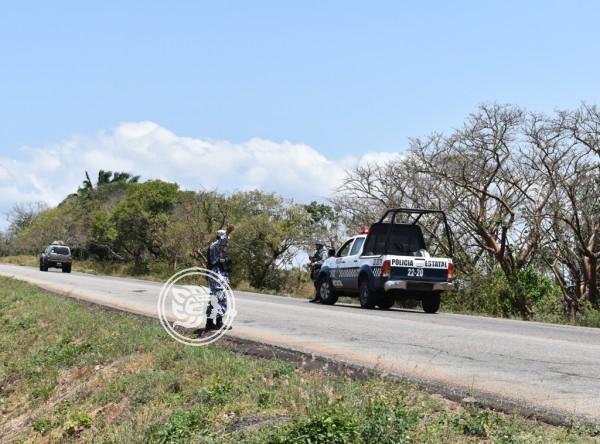 Roban camioneta a empleado de veterinaria en Acayucan