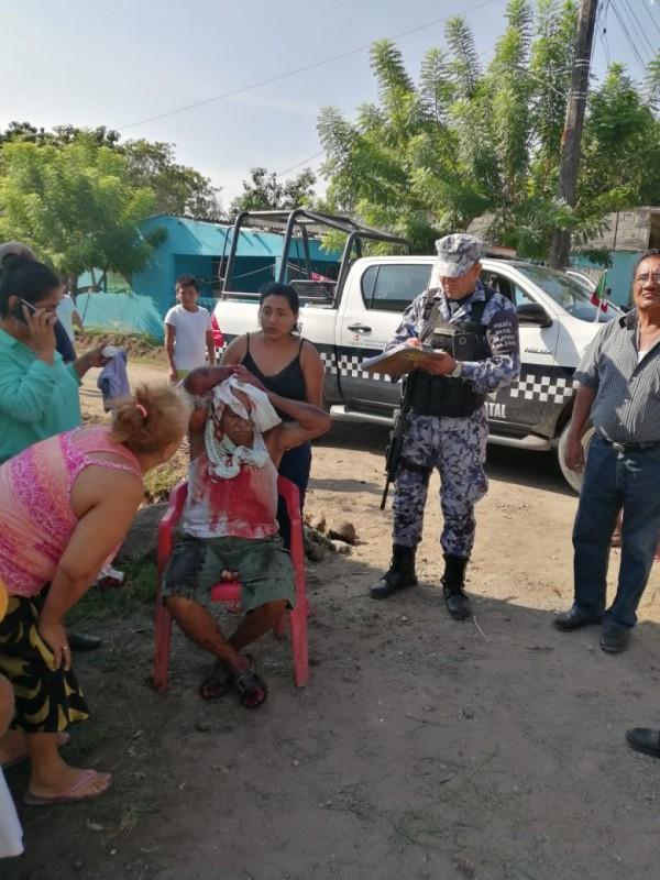 Sujeto agredido a machetazos en colonia 16 de Febrero