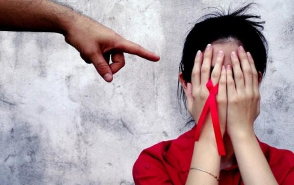 Rechazo provoca que portadores de VIH oculten el padecimiento