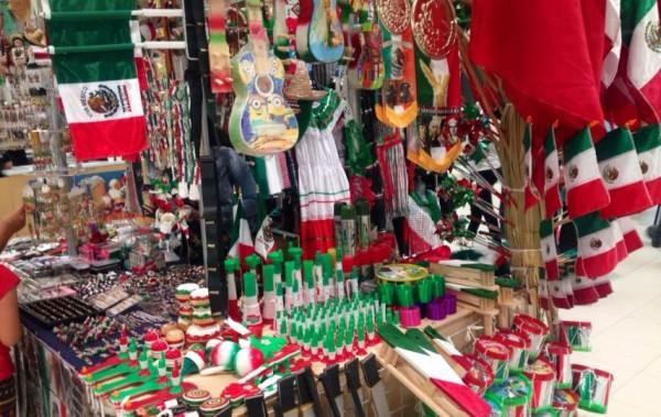 Inicia la venta de productos patrios en calles de Veracruz