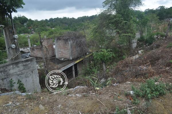 Hundimiento pone en riesgo a vecinos de Poza Rica