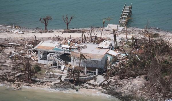 Dorian deja 52 muertos y 1300 desaparecidos en Bahamas