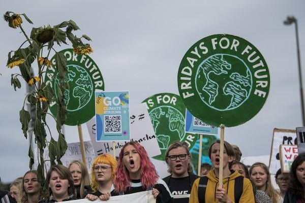 Miles de personas se manifiestan en el mundo por Fridays for Future