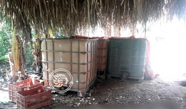 Aseguran mil 400 litros de hidrocarburo en Acayucan