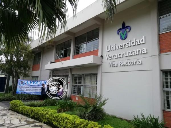 Realizan paro académicos de la UV en Orizaba
