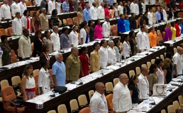 Cuba elige a primer presidente de la República en más de 40 años