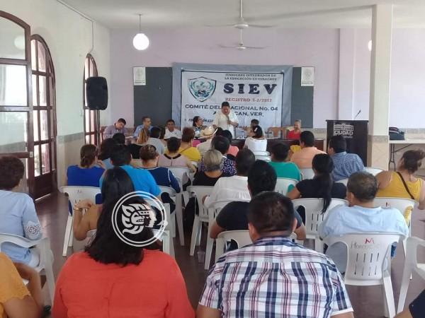 Nuevos maestros rechazan plazas rurales en Acayucan