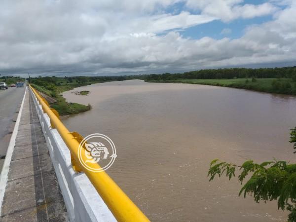 Alerta por crecimiento de ríos en Texistepec y San Juan