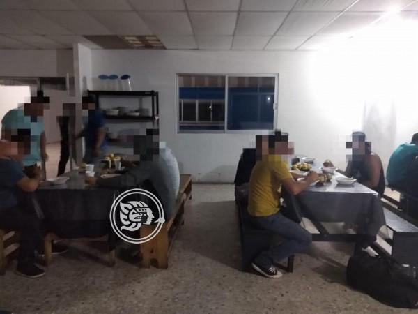 Interviene SSP unidades con 15 migrantes en Ixhuatlán
