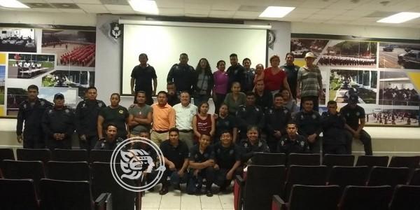 Traslado de policías consterna a familias de Ixhuatlán