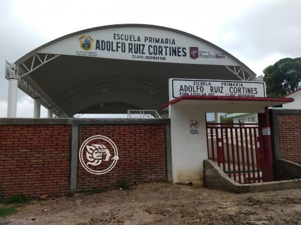 Piden Antorchistas apoyo para electrificar escuela en Poza Rica
