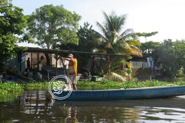 Pescadores afectados por derrames y contaminación del río Coatzacoalcos