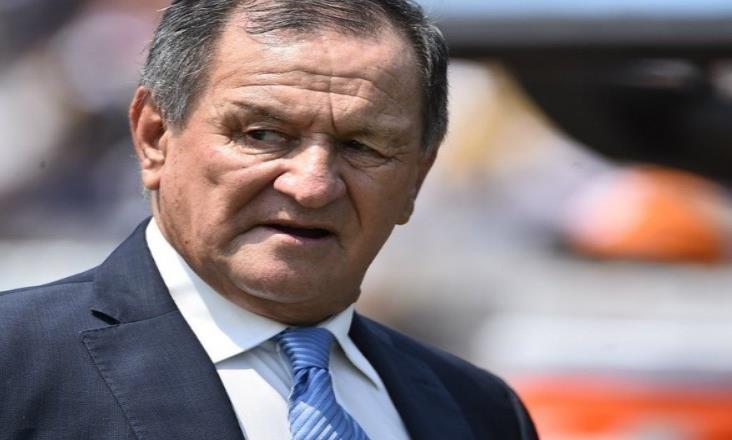 Enrique Meza arremete contra el arbitraje; no se bajará del barco rojiazul