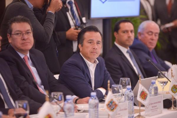 Participa Cuitláhuac en cónclave con la FGR para investigación de delitos