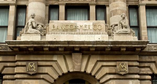 COVID-19 ha provocado un severo deterioro de la actividad económica: Banxico