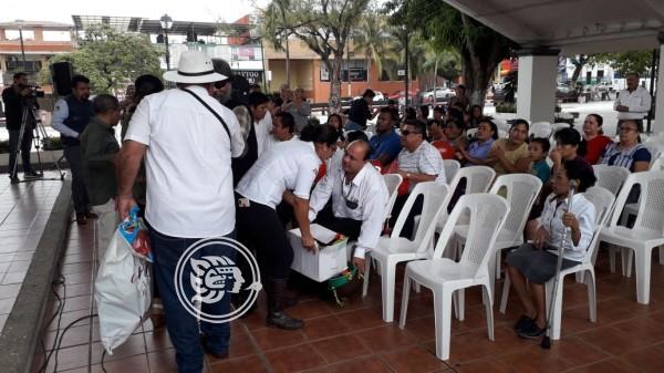 Entregarán 30 bastones a discapacitados en Coatzacoalcos