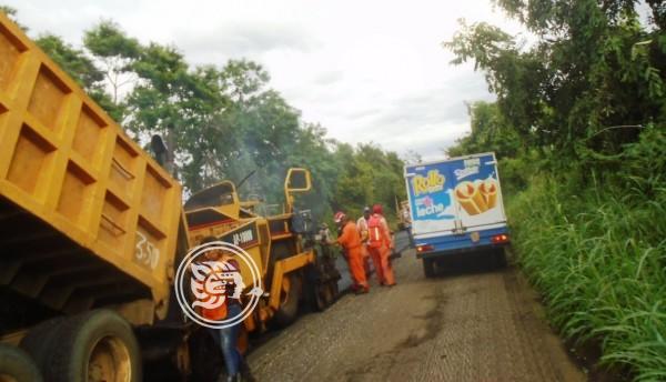 Piden agilizar reencarpetamiento de carretera a Soteapan
