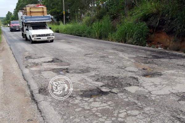 Esperan que Pemex rehabilite carretera Las Choapas-Paralelo