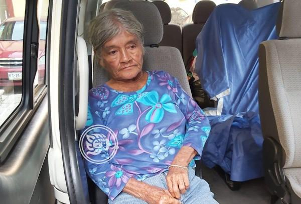 DIF traslada a Doña Emi al hospital de Orizaba