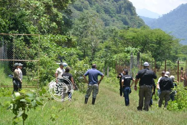 Continúa búsqueda de restos humanos en terrenos de Atzacan