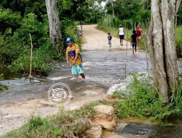 En mal estado 50% de caminos en Uxpanapa