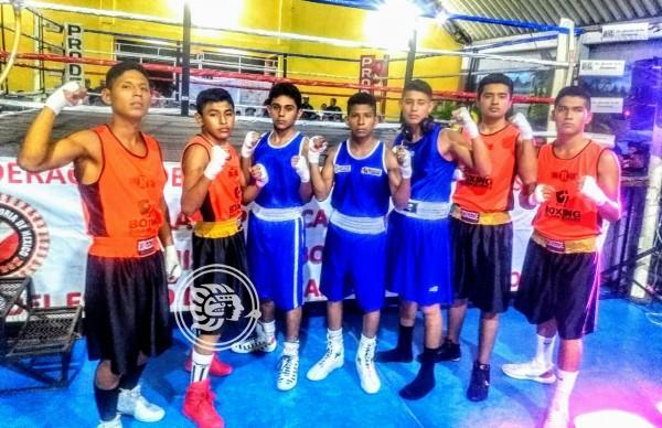 Boxeadores minatitlecos destacan participación en Futuros Campeones