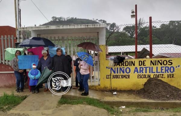 Por cambio de maestros protestan en kínder de Coatzintla