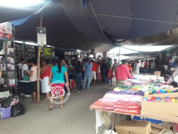 Vendedores de Cosoleacaque siguen esperando reactivación económica