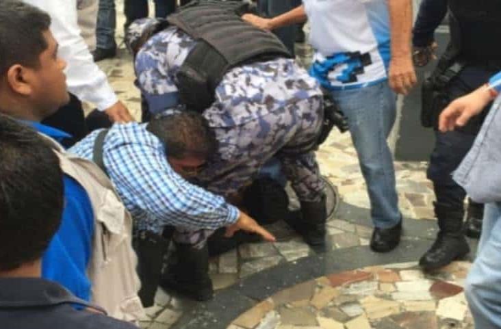 Atrapan a ladrón en desfile conmemorativo de 20 de Noviembre