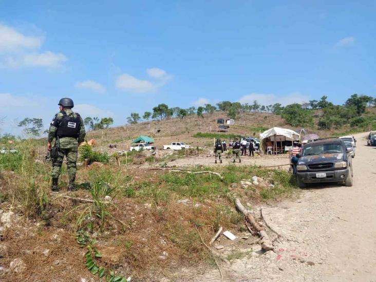Invasores se amotinan ante diligencia de FGE en Poza Rica; interviene GN