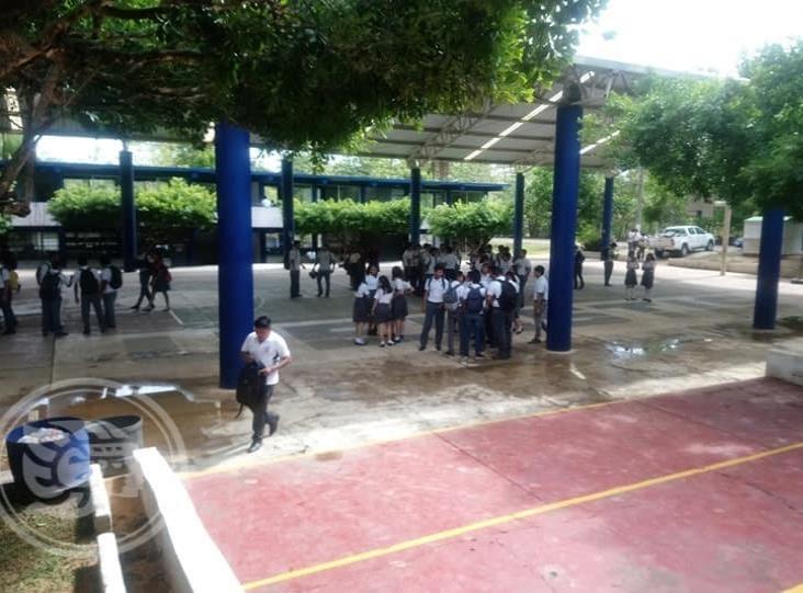 Aún hay espacios en escuelas de Tuxpan, asegura SEV