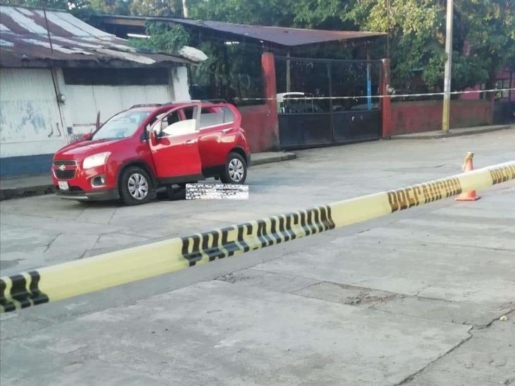 Asesinan a hombre en las afueras de bar en Omealca