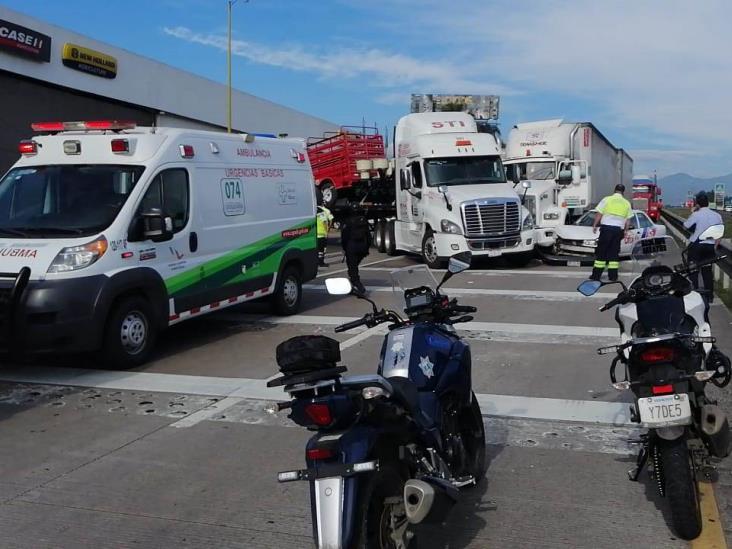 Fuerte choque provoca el cierre de la Orizaba-Veracruz