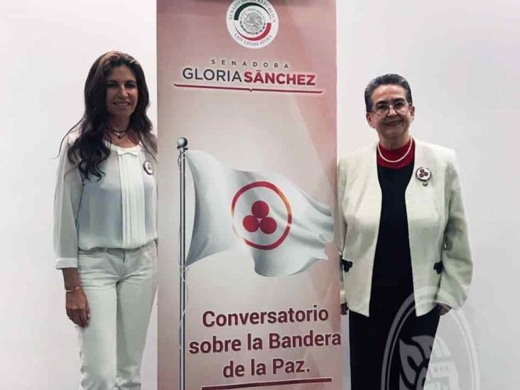 Promueve Laura Robles Bandera de la Paz