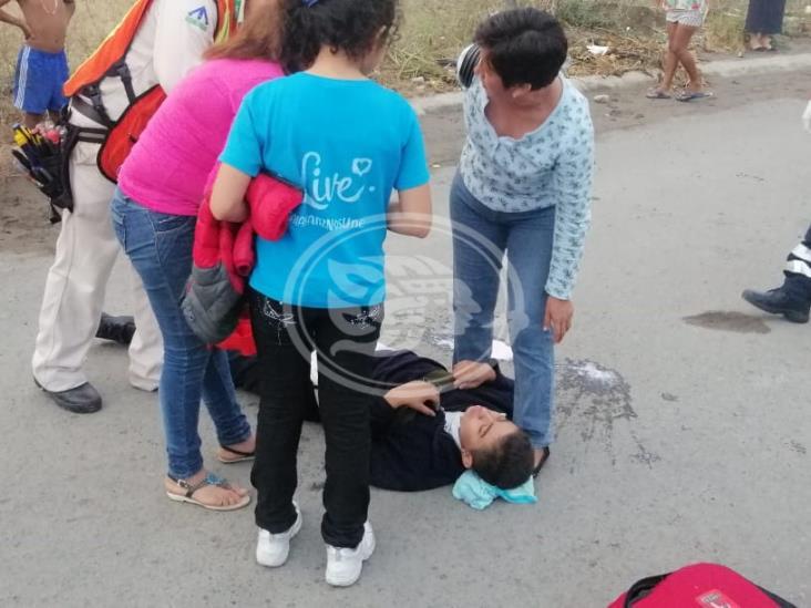 Atropellan a joven que intentaba cruzar la calle