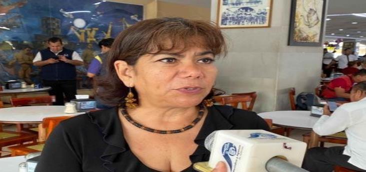 Exigen compensación salarial más de mil 500 maestros de Veracruz