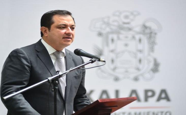 Acusan a Américo de fraude con obras de infraestructura en Xalapa