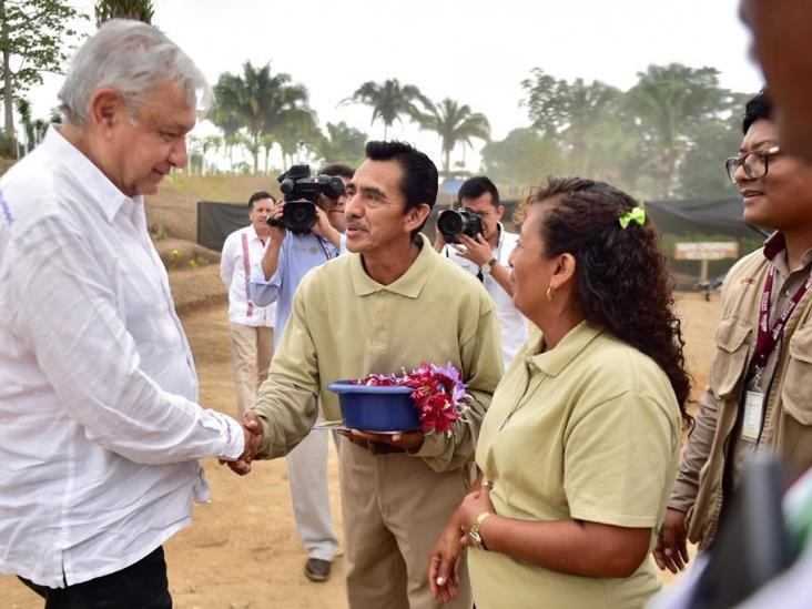 Estoy al 100 de salud, pero no buscaré reelección, afirma AMLO en Veracruz