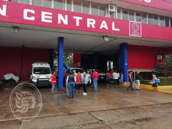 Toman oficinas de PC y Bomberos en Coatzacoalcos; exigen pago de aguinaldos