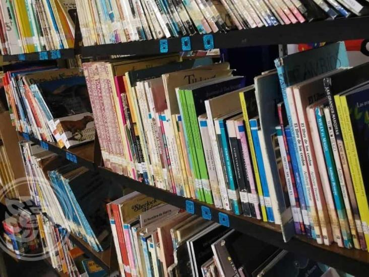 Continúan pidiendo libros para bibliotecas tuxpeñas