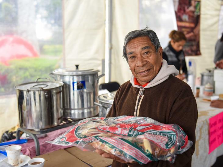 Acuden cientos de personas a la Expo-venta Rosca de Reyes 2020