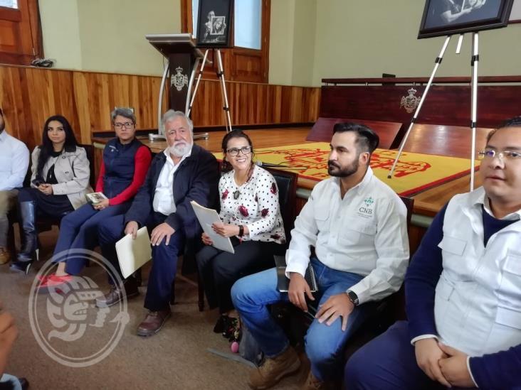 Se reúne Alejandro Encinas con familiares de desaparecidos en Orizaba