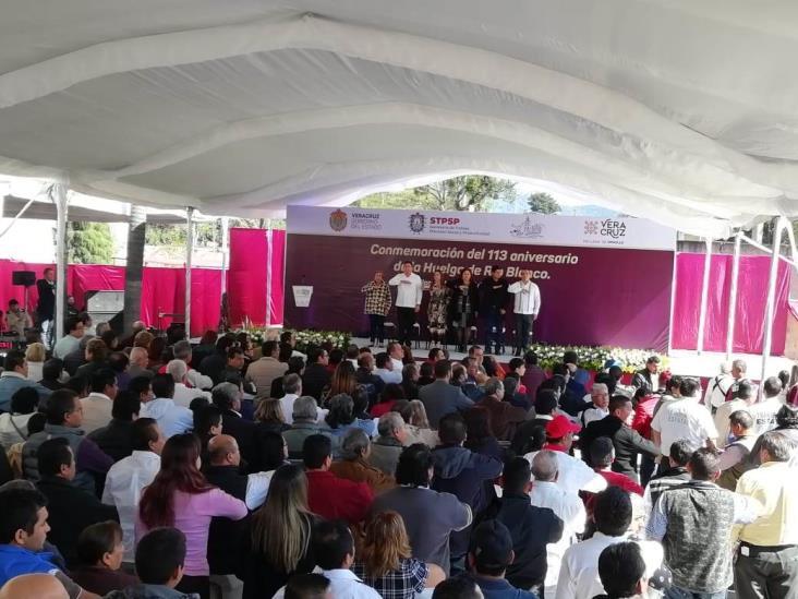 Entre reclamos conmemoran en Río Blanco a los Mártires de 1907
