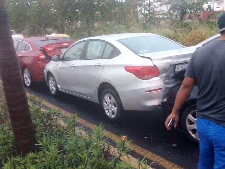 Se registra carambola de 7 autos en la carretera  Veracruz - Xalapa