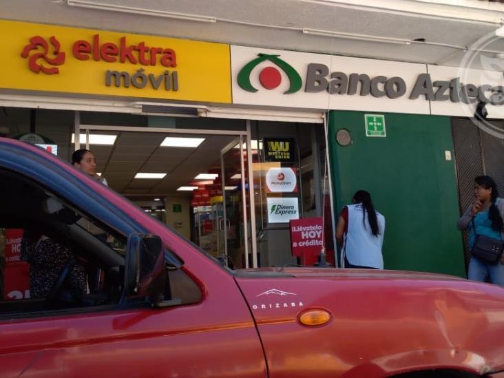 Asaltan a mujer al salir de un banco en Zongolica