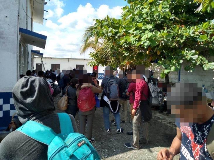 Asegura SSP a 117 migrantes y captura a 5 presuntos polleros en Las Choapas